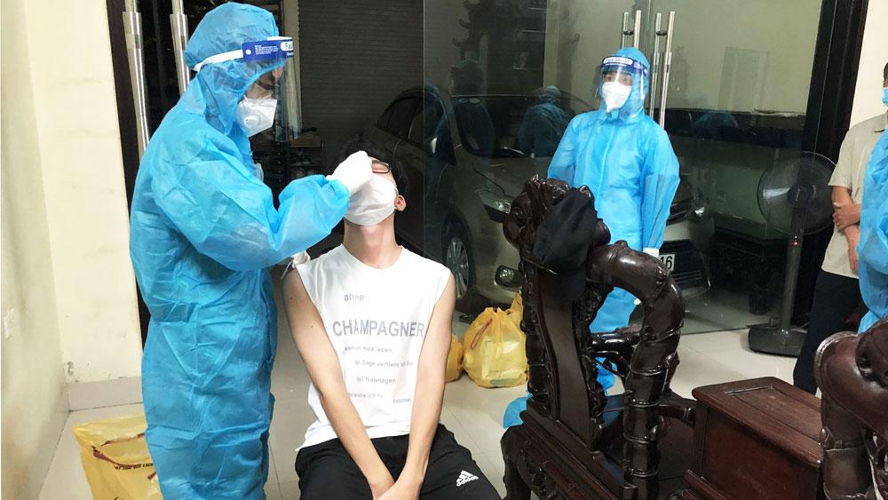 Nhân viên y tế Bắc Giang hỗ trợ Hà Nam thần tốc xét nghiệm Covid-19